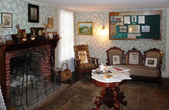 https://noveldestinations.files.wordpress.com/2010/10/robert-louis-stevenson-cottage-parlor.jpg?w=551&h=360